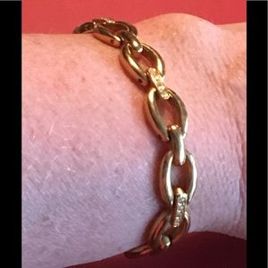 BRACELET Gold & Crystals or tiny Diamonds on Links